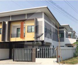 ขายทาวน์เฮ้าส์ 2 ชั้น บ้านสวยพร้อมเข้าอยู่ ต.บ้านสวน อ.เมืองชลบุรี จ.ชลบุรี (574171)