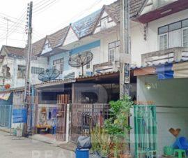 ขายทาวน์เฮ้าส์ หมู่บ้านกุฎโง้ง อ.พนัสนิคม จ.ชลบุรี(I-Net :574961)